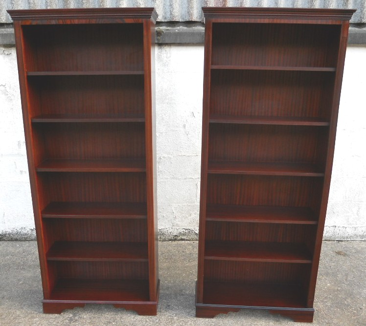 Solid Mahogany Wood Bookcase With Glass Doors And Cupboard together with Modern Homes Luxury Interior Designing furthermore Antique Style Solid Mahogany Timber Coffee Table 4 Drawers together with Dining Room Furniture moreover 290984995769. on antique chippendale dining table